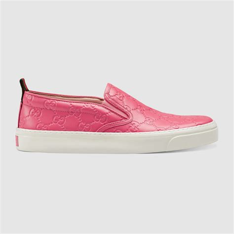 gucci signature slip on in pink lyst