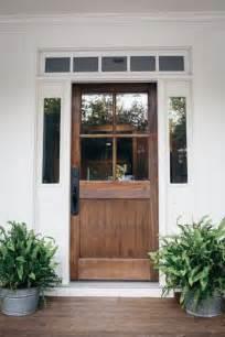 farmhouse front door ideas 25 best ideas about farmhouse front porches on