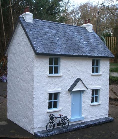 Thimble Cottage by Julie S Dolls House 1 24th Scale Thimble Cottage
