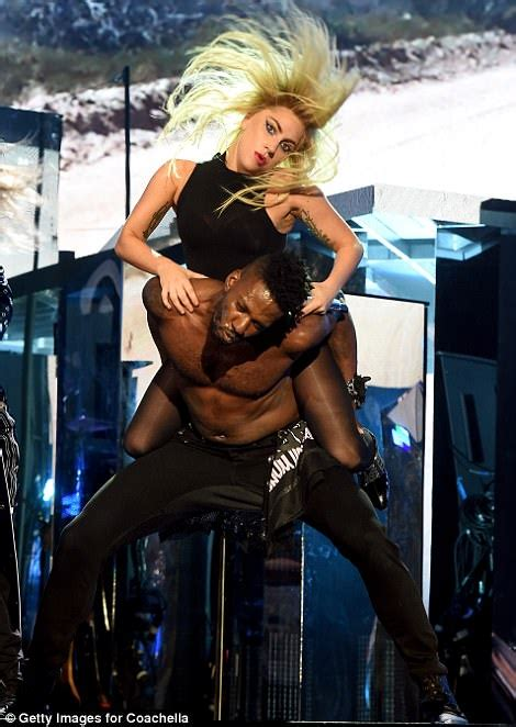 what replaced slick whip by regis lady gaga and drake delight fans for coachella day two