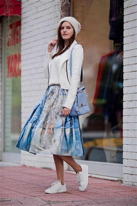 Black Blue The High Takes On Marc By Marc by デニムのミモレ丈スカートが可愛い 2015年春夏 レディース流行のファッション ミモレ丈スカートの着こなし 海外