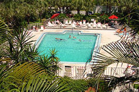 cheap boat rentals naples red roof plus suites naples naples florida hotels