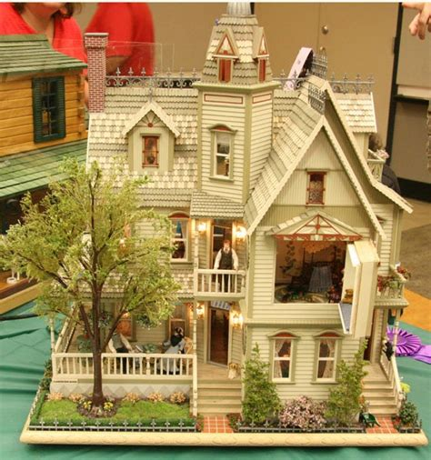 miniture doll houses victorian dollhouses bing images dollhouse pinterest