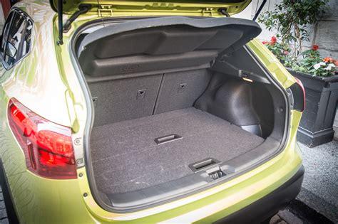 nissan qashqai trunk first drive 2017 nissan qashqai canadian auto review