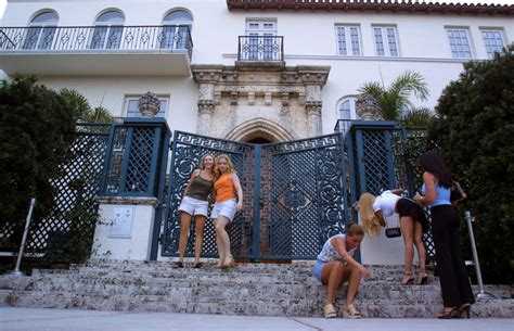 gianni versace house gianni versace house sale pictures popsugar fashion