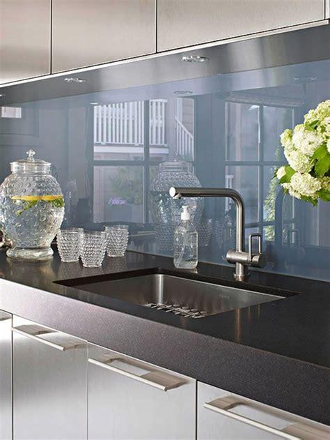 Eingangstür Aus Glas by K 252 Chenr 252 Ckwand Aus Glas Der Moderne Fliesenspiegel Sieht