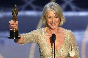Helen Mirren Claims Award At The Oscars by Oscar Crowns Mirren Best Abc News