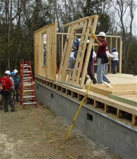 Homes Built Into Hillside by Raised Vs Slab Build Raised Floor Living