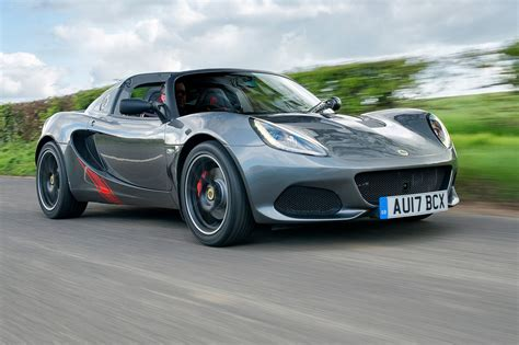Lotus Elise Sprint 220 (2017) review by CAR Magazine