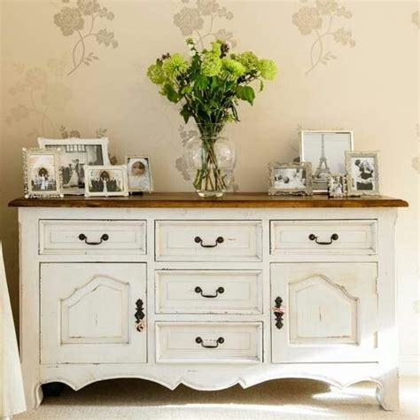 Decorating A Sideboard by 25 Best Ideas About Sideboard Decor On