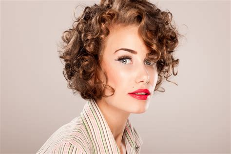 best 25 curly medium hair ideas on pinterest curly medium