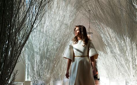 trump white house decorations melania trump unveils white house christmas decorations to