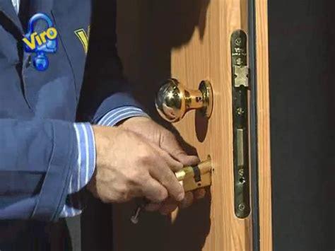 come si monta una porta blindata guida alla sostituzione cilindro europeo per porta