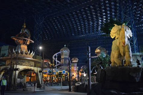theme wsj theme parks begin to sprout in persian gulf countries wsj