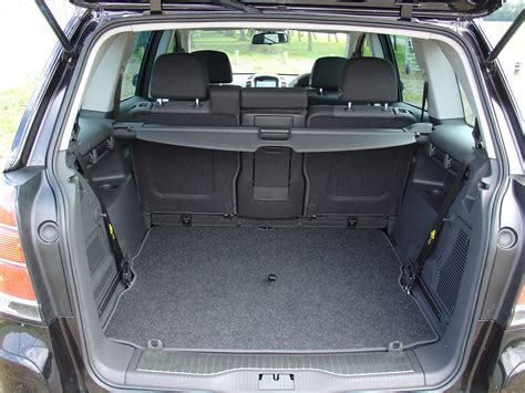 opel zafira 2003 interior vauxhall zafira estate 2005 2014 features equipment