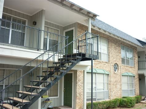 one bedroom apartments near unt the quarter apartments rentals denton tx apartments com