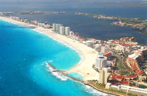 barco pirata zona hotelera cancun escollera en punta cancun 01 aclarando