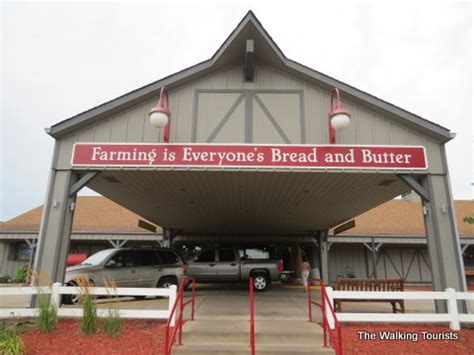 Machine Shed Restaurant Urbandale by The Machine Shed S Menu Can Make Any Farmer Proud The