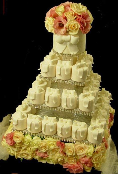 Wedding Anniversary Ideas Nsw by 23 Best Wedding Cupcake Towers Images On