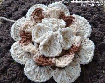 come si fanno i fiori all uncinetto oltre 25 idee originali per fiori fatti all uncinetto su