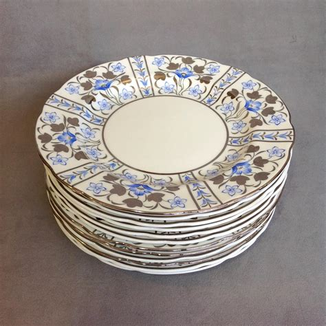 plate pattern finder 12 wedgwood luster dinner plates pattern w2997 from