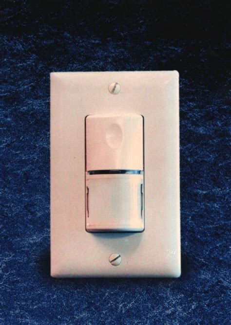 automatic light sensor switch ws 200 automatic wall switch from the watt stopper