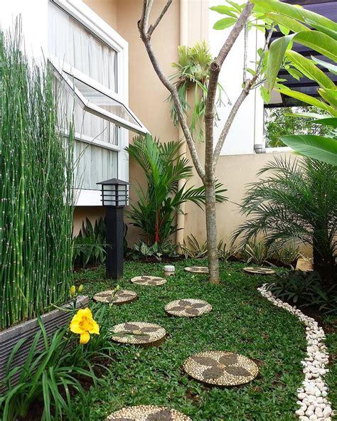 sudut depan rumah taman minimalis desain gardening