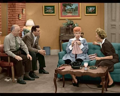 i love lucy couch 1000 images about i love lucy on pinterest vivian vance