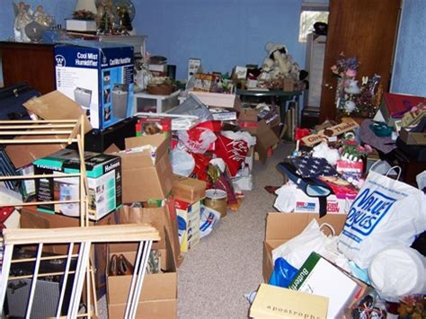 cluttered bedroom cluttered room fitness4hire com
