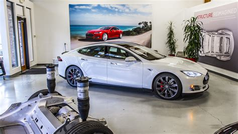 Tesla Dealer Network Tesla S Dealership Free Model To Change Local Landscape