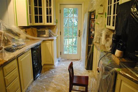 paint your own kitchen cabinets how to paint your own kitchen cabinets the chronicles of