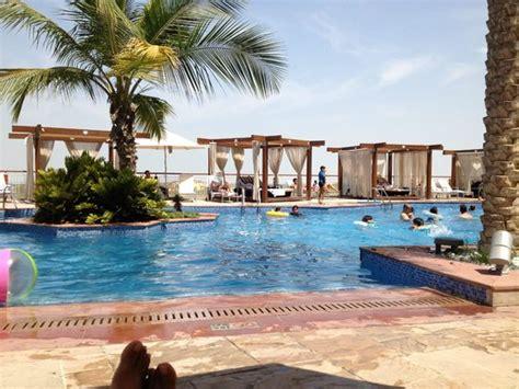 hotel radisson blu abu dhabi yas island uae booking com hotel swimming pool picture of radisson blu hotel abu