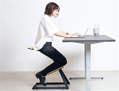ergonomic desk w chair the truly ergonomic desk chair 187 review