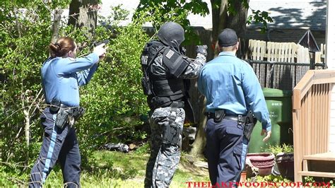 The Lakewood Scoop » CAUGHT ON VIDEO: Burglary Suspect Arrested at Gunpoint; SWAT Executes