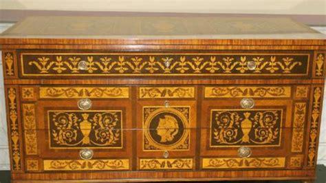mobili stile antico prezzi come riconoscere un mobile antico in stile neoclassico