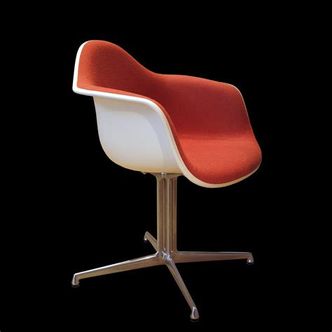 Meaning Of Armchair Design Ideas File Eames Chair Img 4624 Jpg Wikimedia Commons