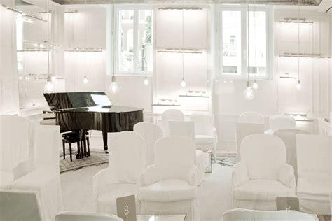 La Salon Grand Blanc by Myparisexclusivehotels Page 2