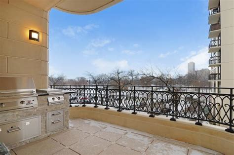 condos for sale in lincoln park chicago for sale in lincoln park 5m condo has outdoor kitchen