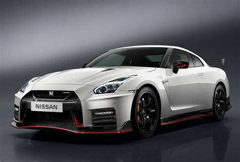 2017 Nissan Gt R Nismo Wallpaper Hd Car Wallpapers