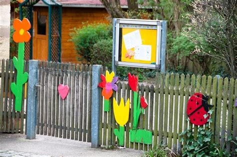 House Entry Designs by Nicely Decorated Kindergarten Entrance At An Elementary