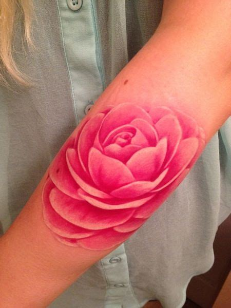 12 ultra beautiful no line tattoos for women pretty designs