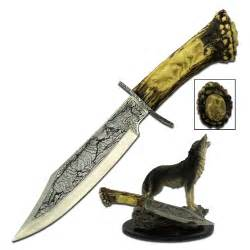 Japanese Pocket Knife Brass howling wolf antler handle bowie knife with display stand
