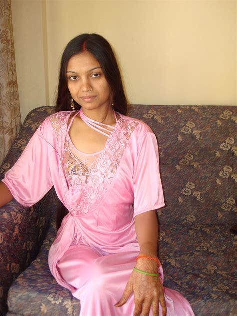 mallu rape bedroom night mallu moti girl nude boobs removing nighty latest hd