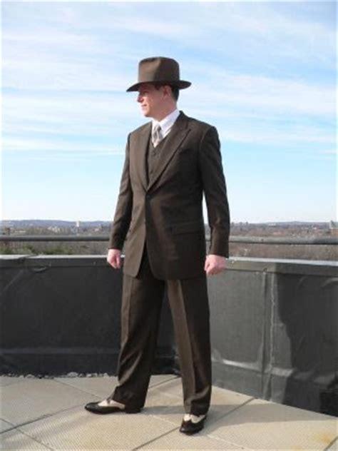 16 4 Fashion Doctor 3298 c cdme 1001 january 2012