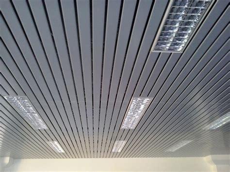 controsoffitto alluminio controsoffitto doghe alluminio pannelli termoisolanti