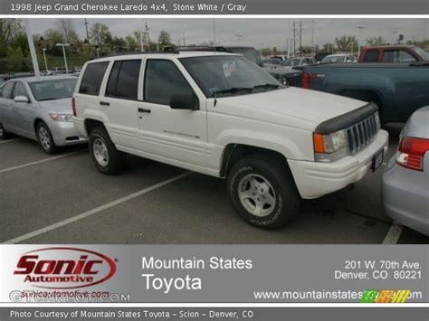 1998 White Jeep White 1998 Jeep Grand Laredo 4x4 Gray