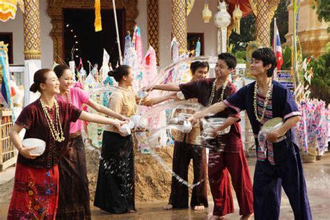 new year parade history in thailandia e capodanno in viaggio ansa it