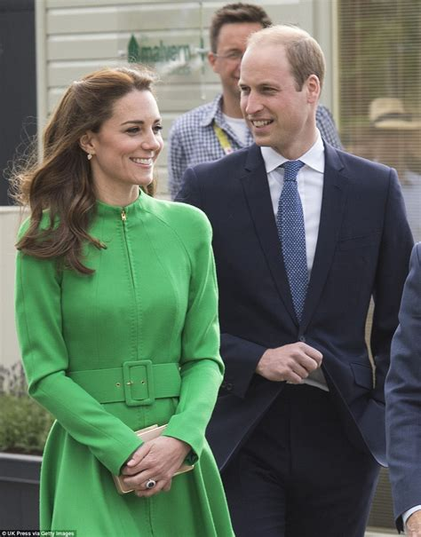 kate and william kate middleton and prince william visit chelsea flower