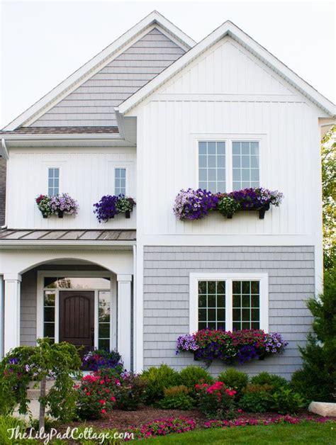 25 best ideas about cottage exterior colors on