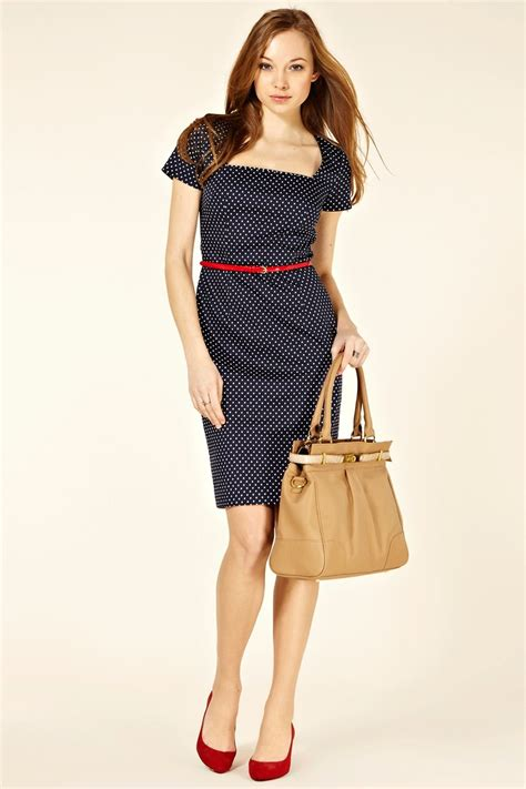 navy blue dress with belt and shoes style